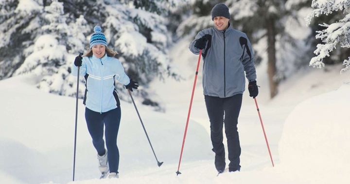 beginners snowshoeing guide - what to wear for snowshoeing