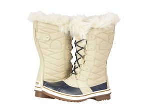 Best Snowshoe Boots Reviews Top 10 Boots For Snowshoeing